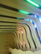 德创汇双中心8米长10条LED显示屏完工